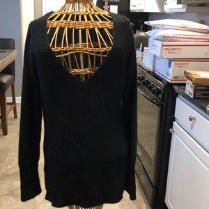 Planet Gold Sweaters - V-neck knit sweater